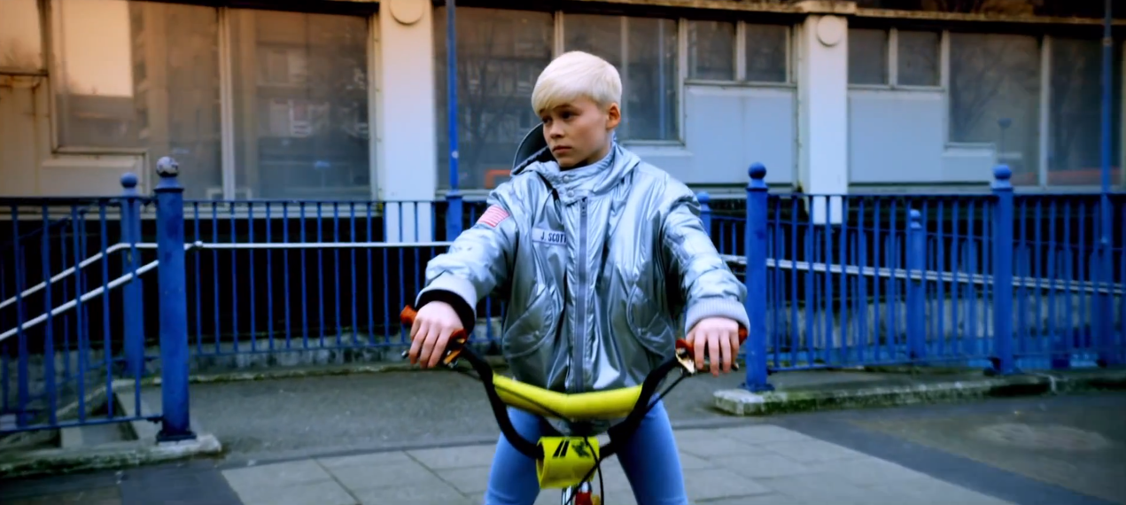 Robyn + Snoop Dogg, U Should Know Better -Decida + James Norris at the Whitehouse Post in London - blog